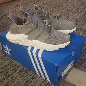 New Adidas Prosphere Mens size 9.5